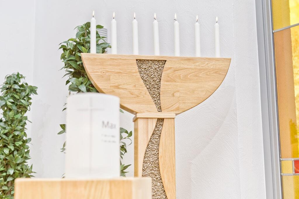 Kerzendekoration Bei Beerdigung