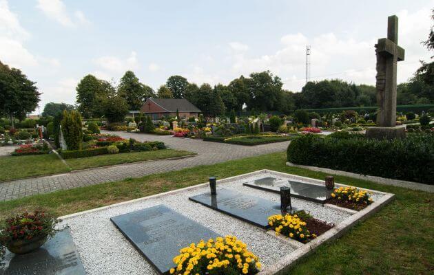 Gräber Des Friedhofs In Bramsche