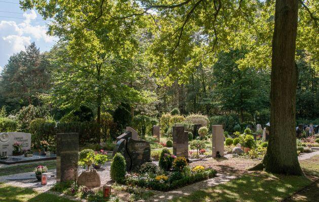 Gräber Des Waldfriedhof In Darme
