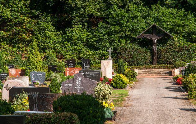 Gräber Des Friedhofs In Schepsdorf
